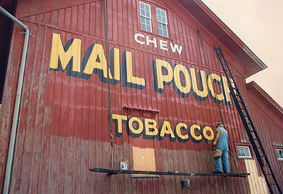 mail-pouch-barn